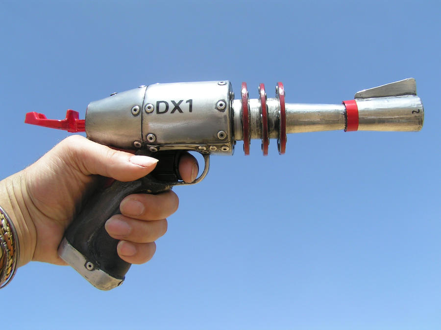 THE ATOMIC DX1 RAY GUN by faustus70 ...