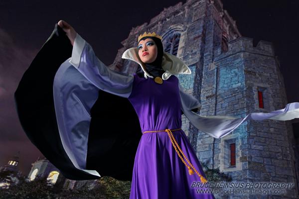 ANIME EXPO 2010: Evil Queen 18 by Tehodda