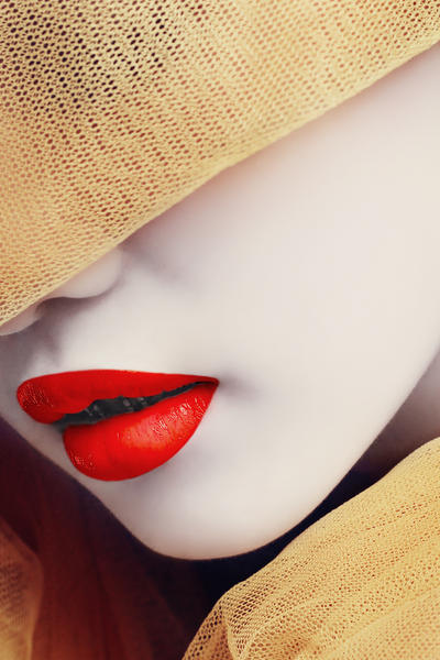red lips by phutugenique