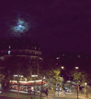 Paris ne dort jamais.
