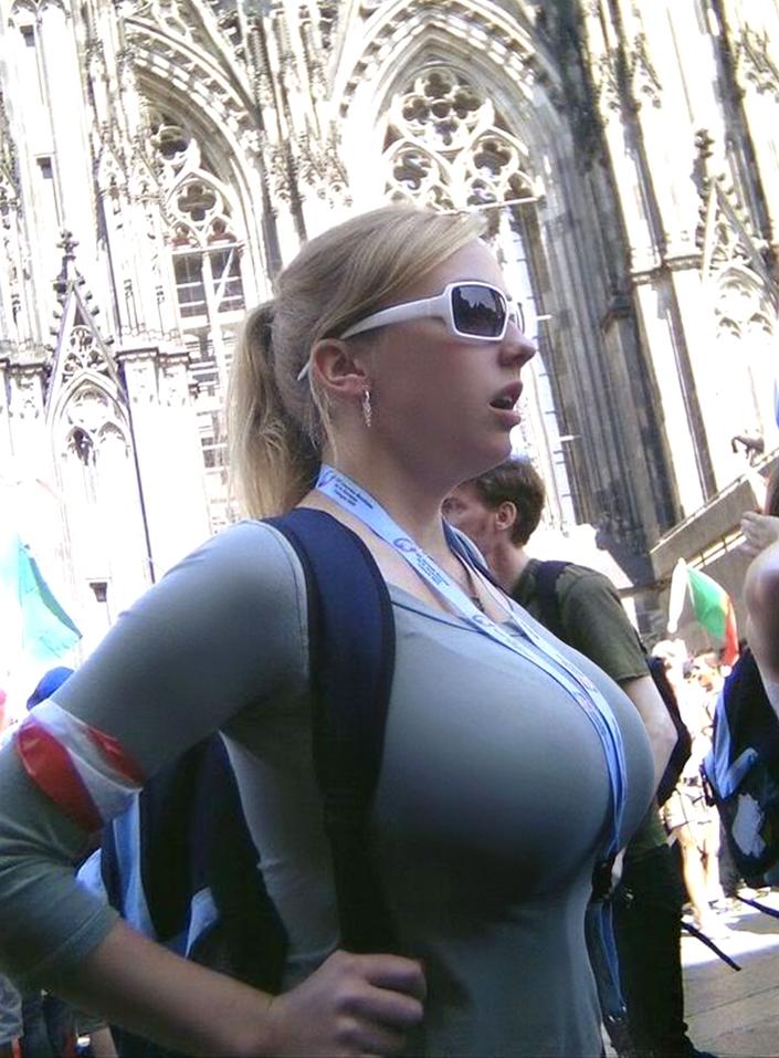 candid big boobs