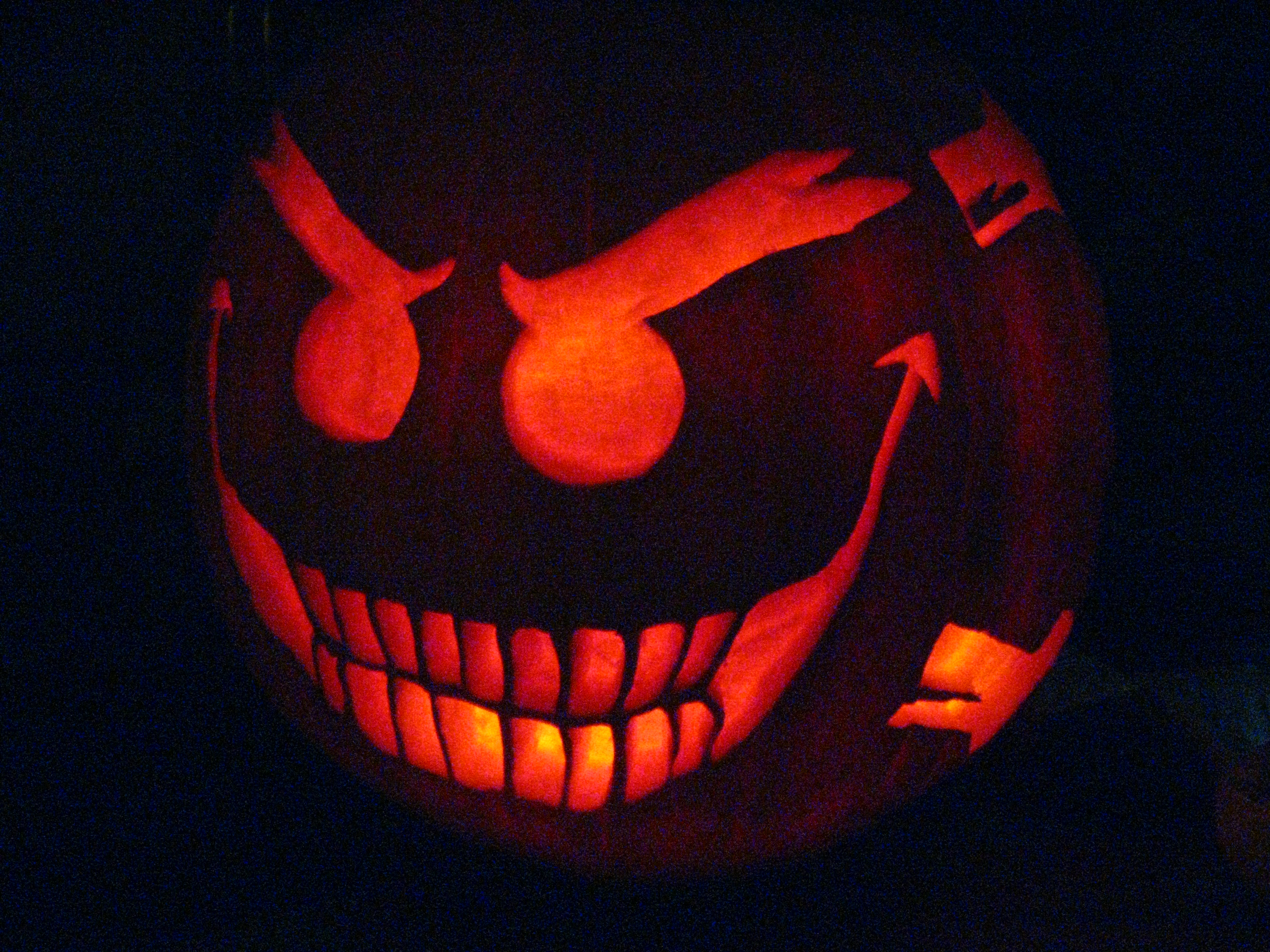 smiley the psychotic pumpkin by childofdanu on deviantart