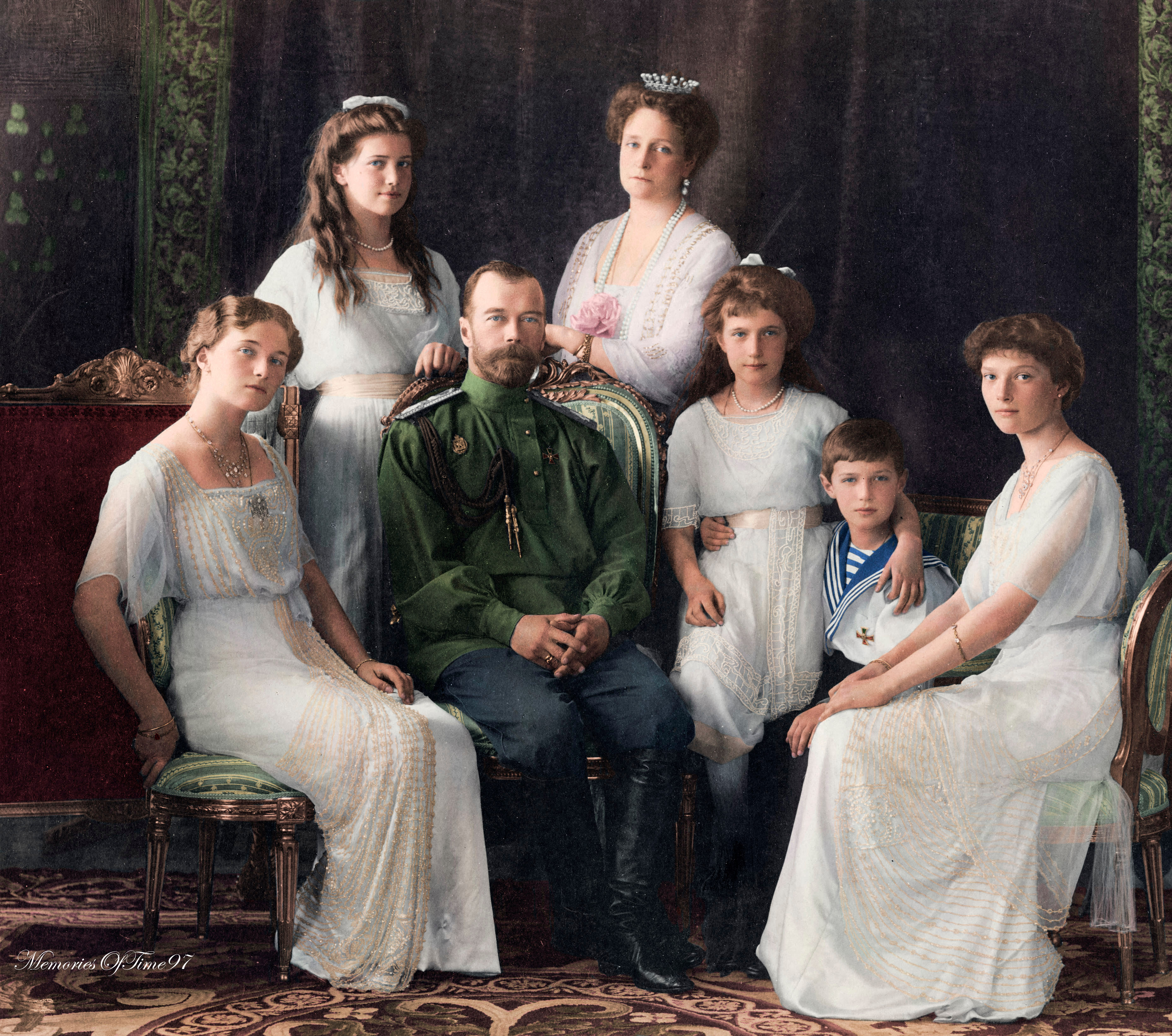Romanov Family 1913 by MemoriesOfTime97