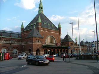 Copenhagen train station by scorgoro
