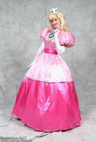 Princess Peach by TakagiNaoSama