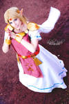 Cosplay Princess Zelda from The Legend of ZeldaLBW
