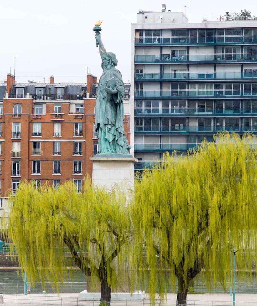 Statue de la Liberte - Paris 002 by eScargo