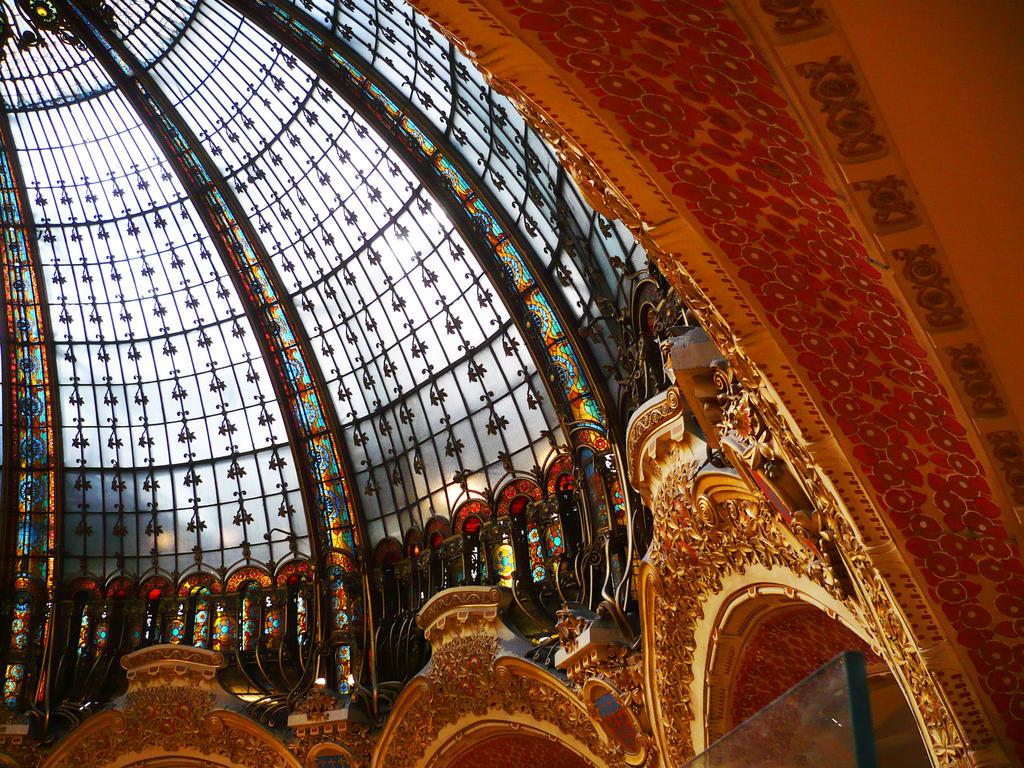 Galerie Lafayette Paris by Vempje