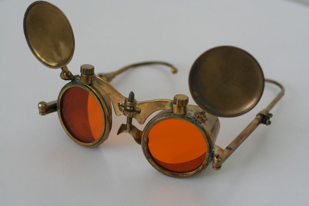Steampunk spectacles by Gogglerman