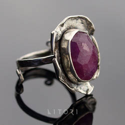 ASHYE  silver ring with large ruby by litori