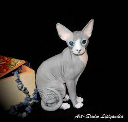 Sphynx Cat sculpture by Kesa-Godzen
