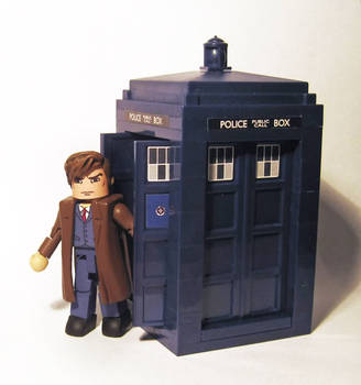 10th Doctor with Tardis