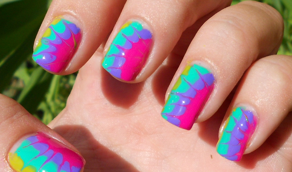 Water marbling nail art by finchmeetsfoxface on deviantart water marbling nail art by finchmeetsfoxface solutioingenieria Image collections