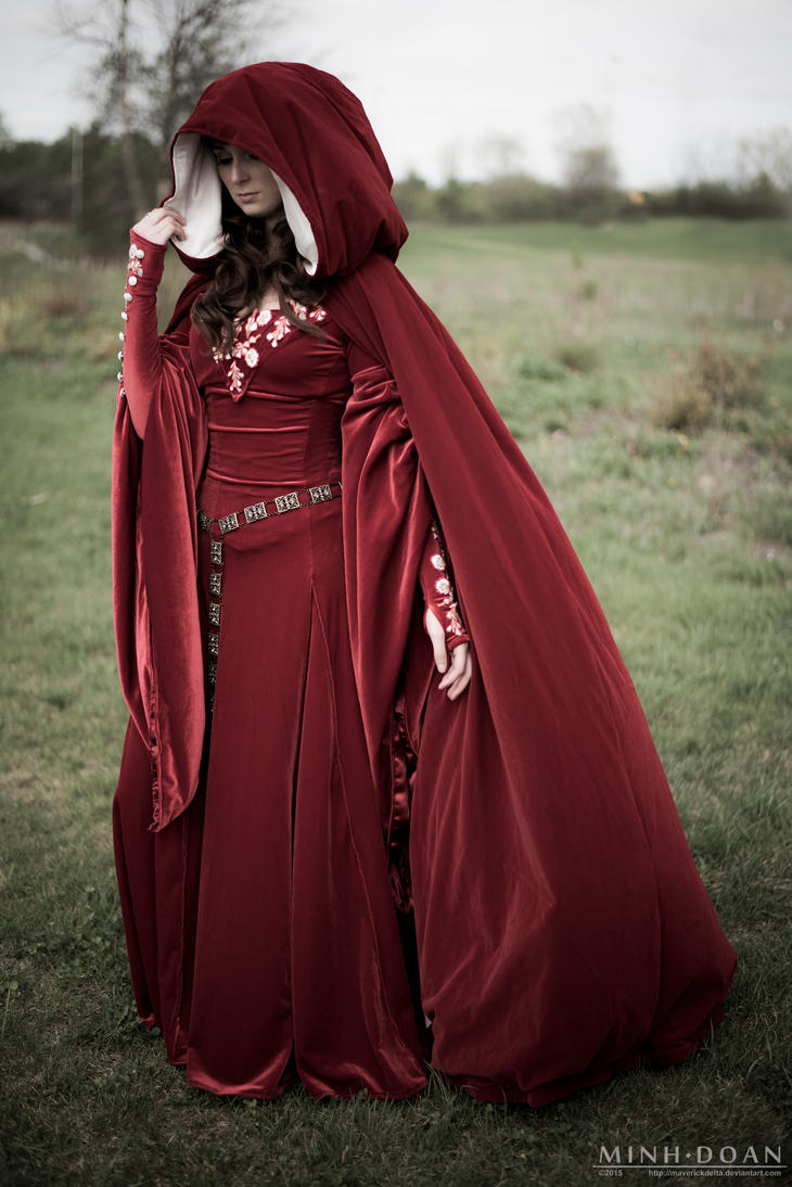 Queen Guinevere away from home by ryoky28