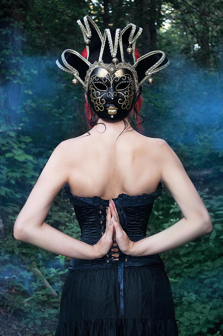 Mask 4 by Kate-Slusarenko