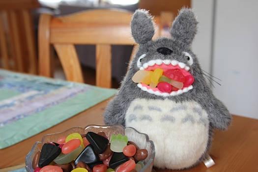 Totoro eats candies