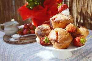 Strawberry muffins by SunnySpring