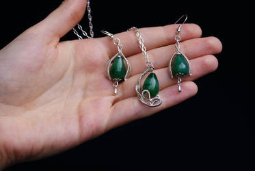Green aventurine jewelry set