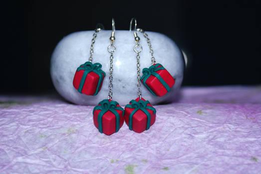 Christmas present box earrings