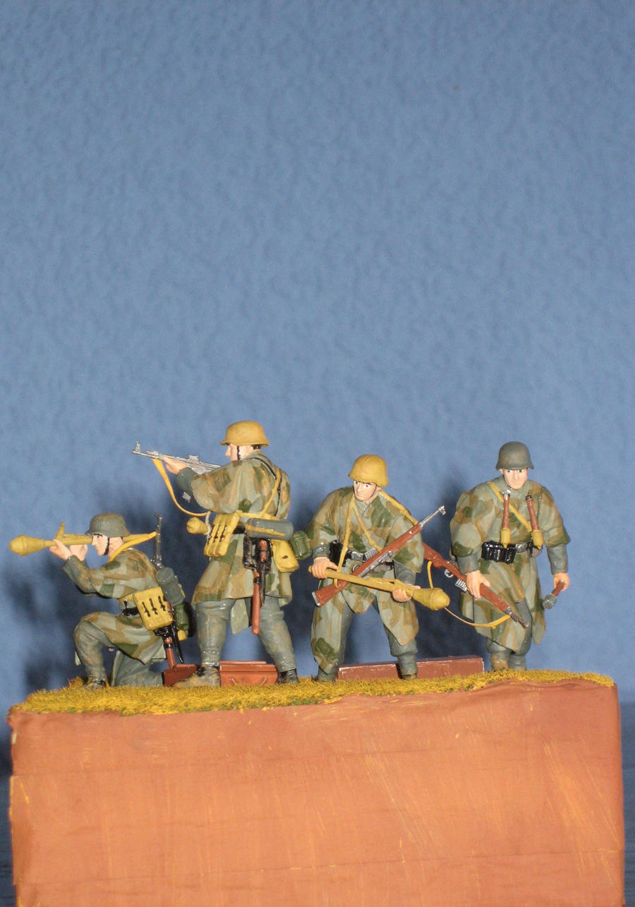 Grenadiers, East Prussia 1945 by AnAspieInPoland