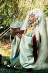 Dragon Priestress by Kringelkatze