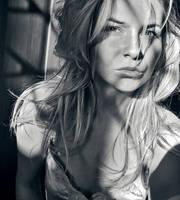 autoportret by msChilli