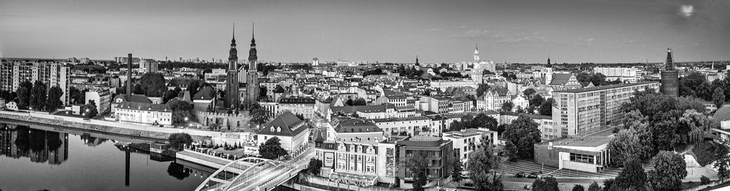 Panorama Bw by Majronn