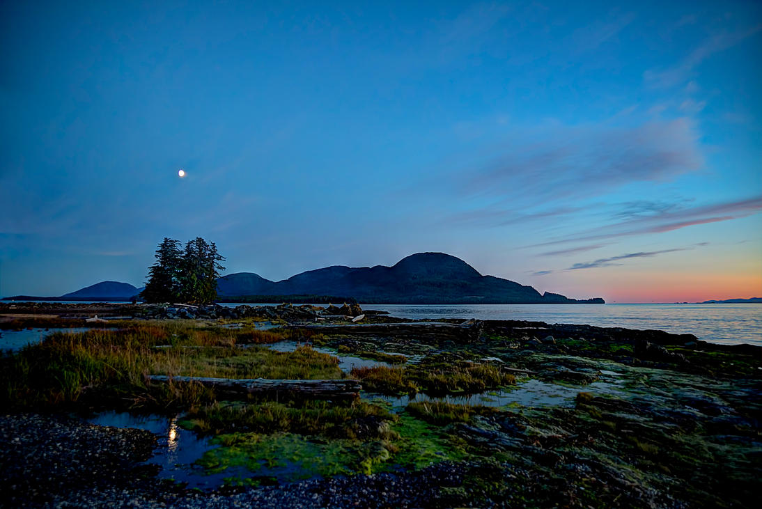 Night time falls on Bugge Beach by Muskeg