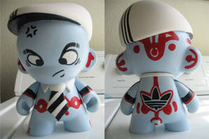 Munny- Planet Rock BBoy by timchris