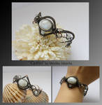 Caitlin- wire wrapped bracelet
