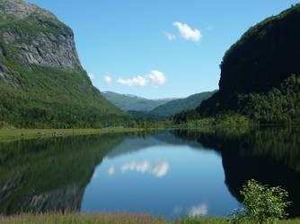 Norway - The natural mirror by Readek