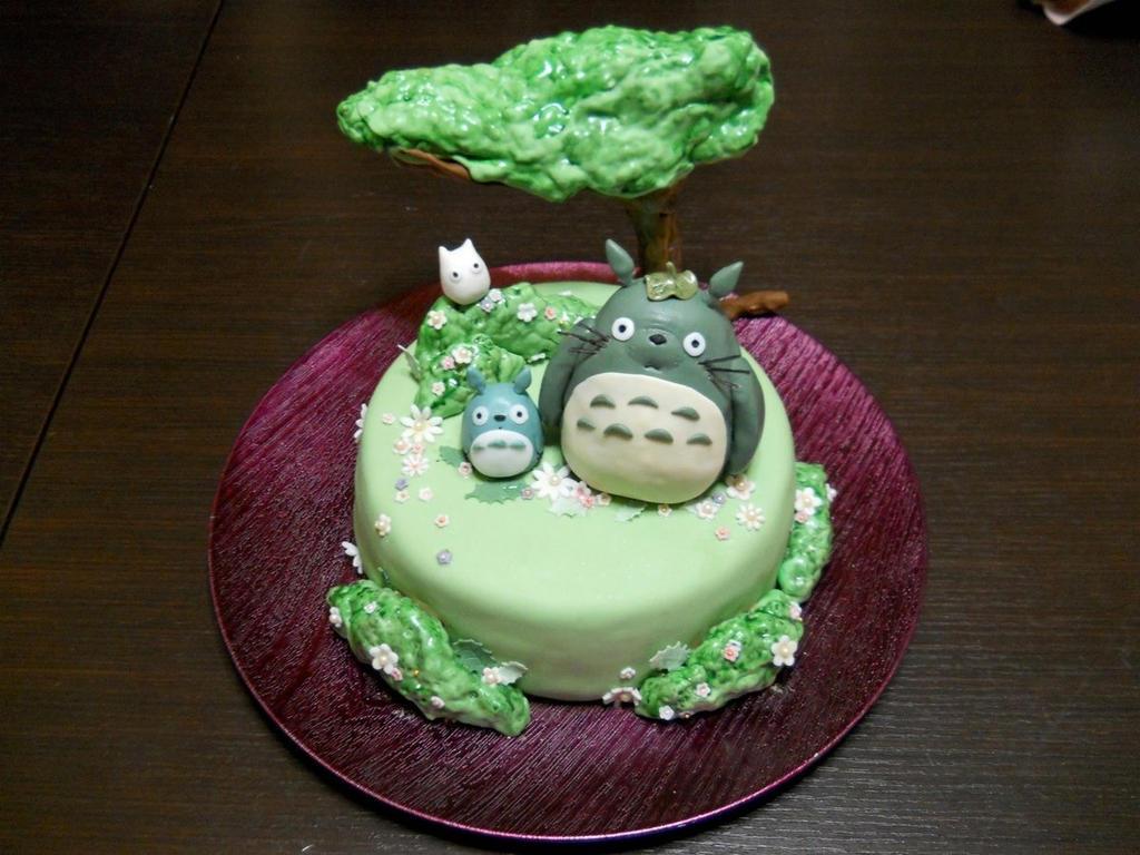 Totoro Cake by CutieFlame