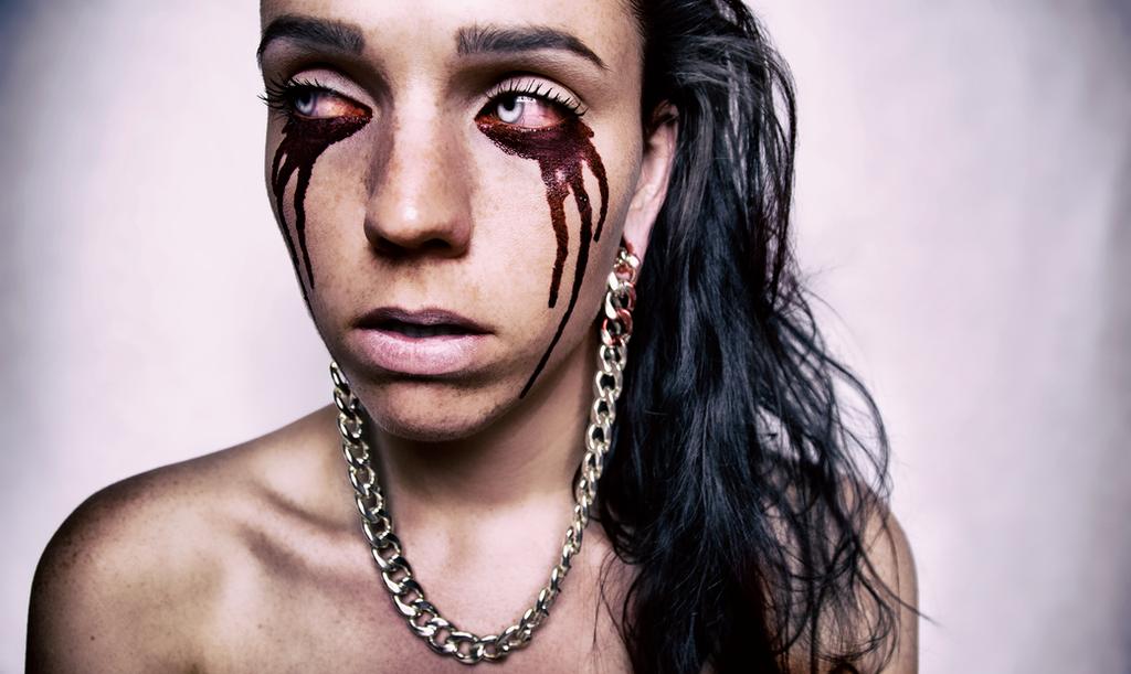 .:BLOODY:EYES:. by Zwera