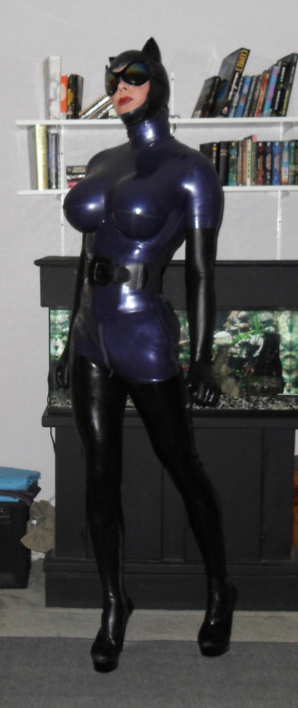 Catwoman Revisited 3 by LatexKittie