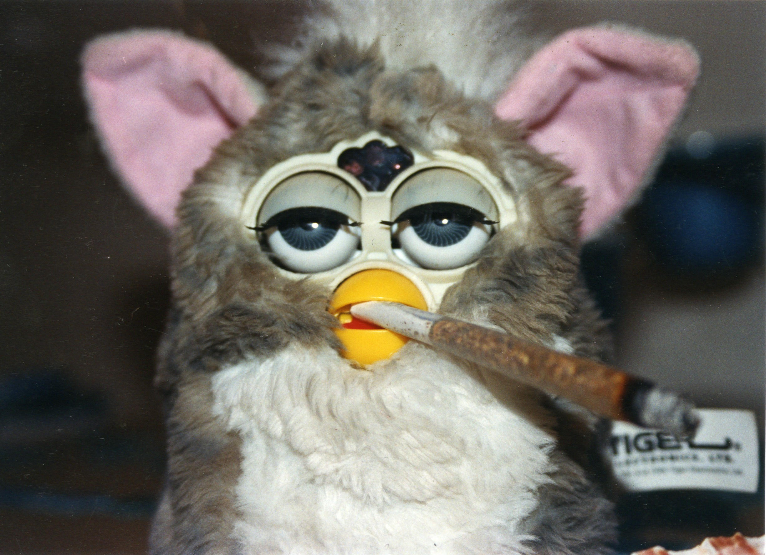 JACK S004 [REDJACK] SDCC 2014 Lottery for CAD Members - Page 7 Furby_and_his_joint_by_delirioalcolico