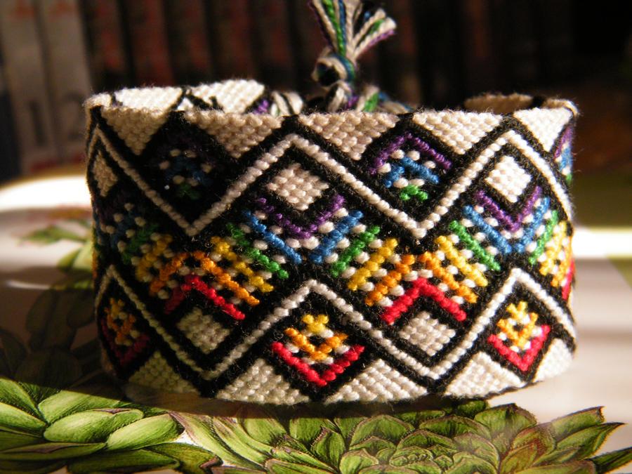 Friendship bracelet 2011 by Teszugi