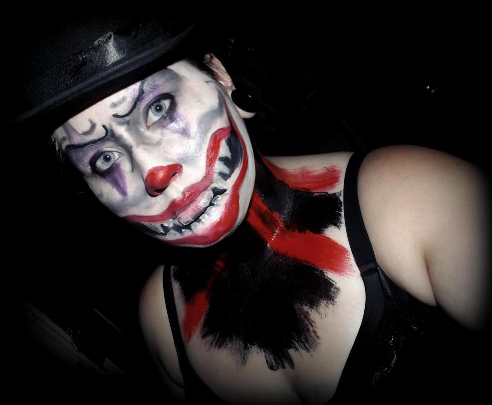 Creepy Clown makeup by forevernotsinking99
