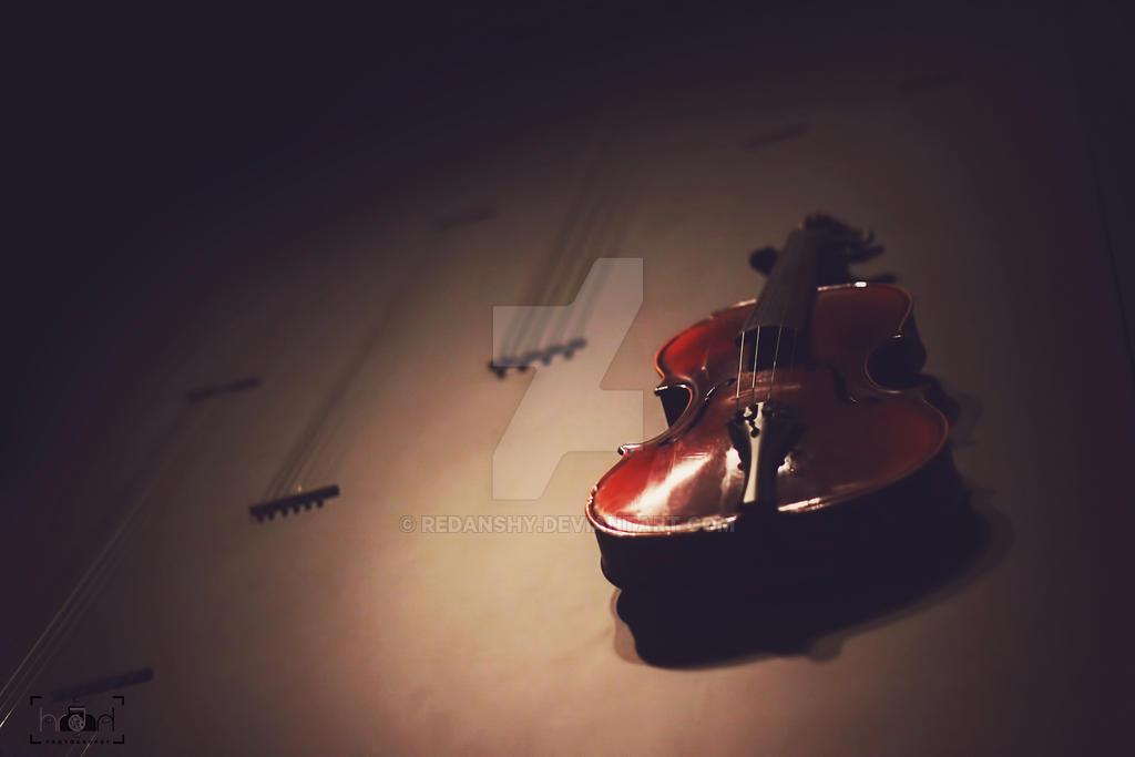 Life is like a violin by Redanshy