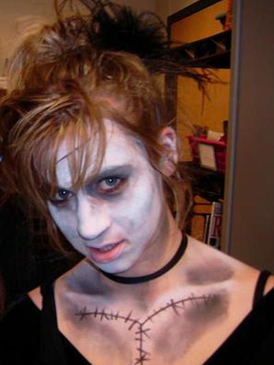 spooky zombie sister by kahahuna