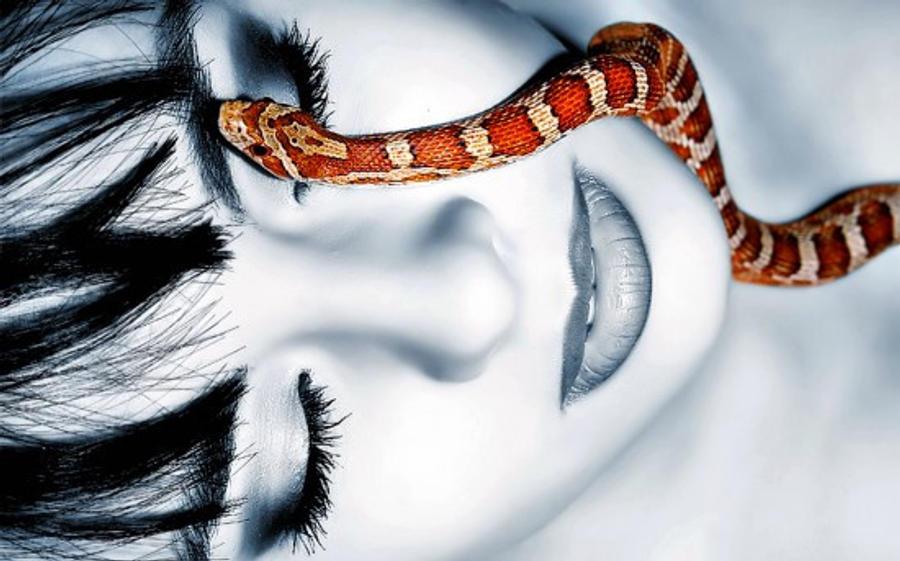 Snake woman by Binnie64