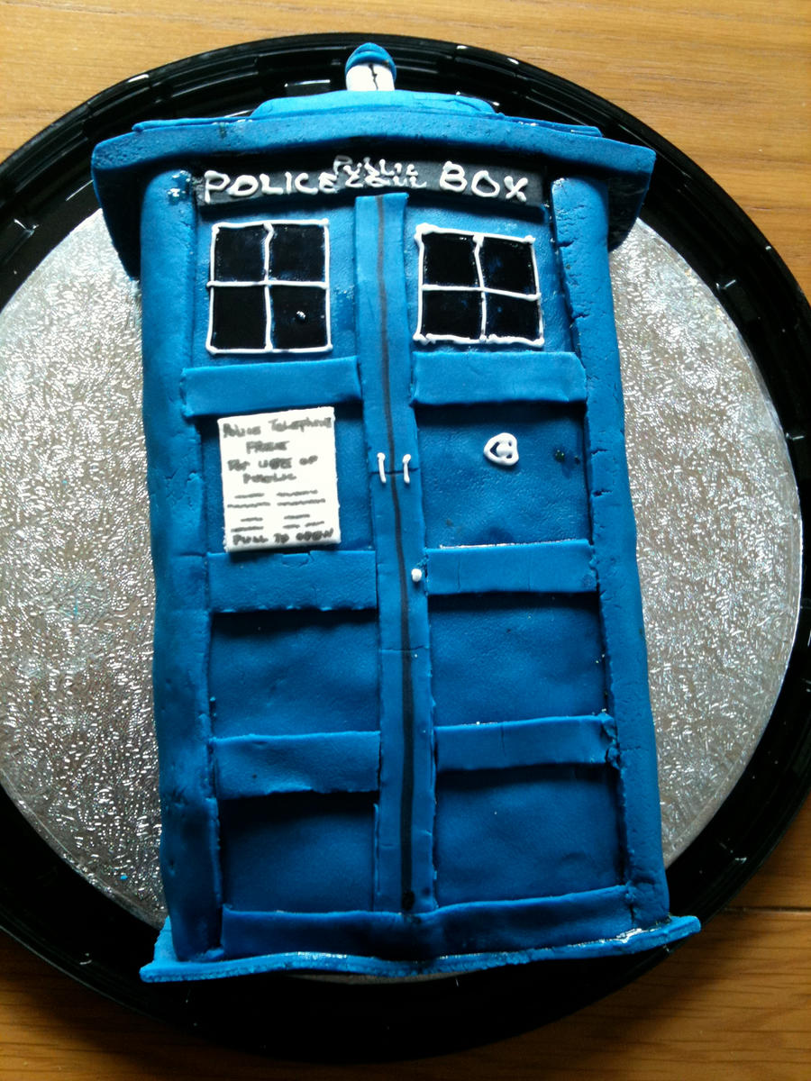 TARDIS Cake by LucySaxon on DeviantArt