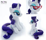 Rarity with magnetic glasses