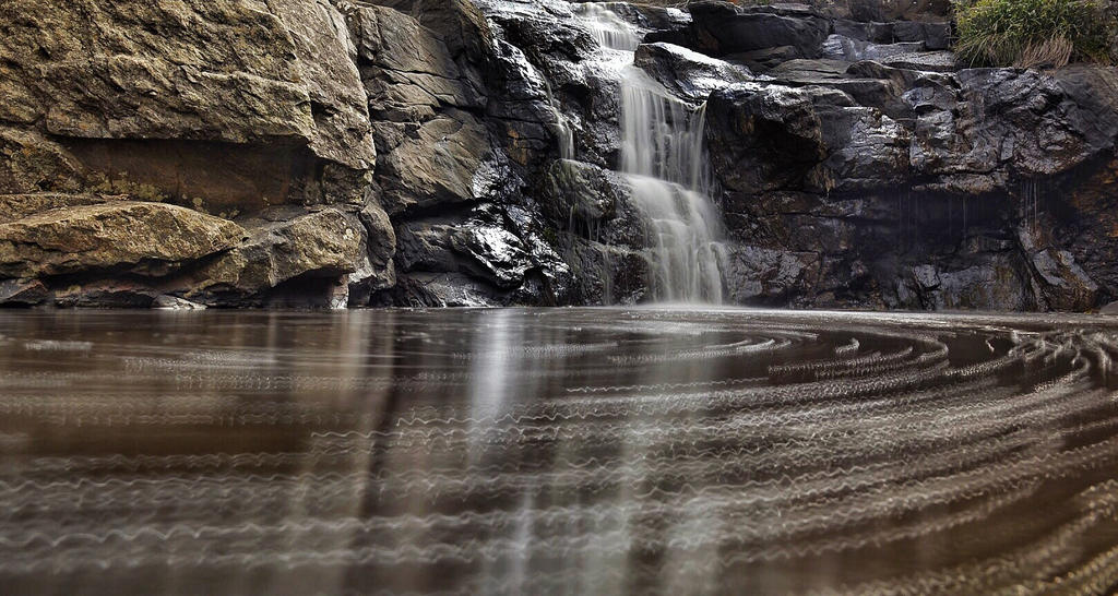 Deep Creek by henhos