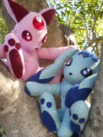 Espeon and Glaceon Plush by fiabug
