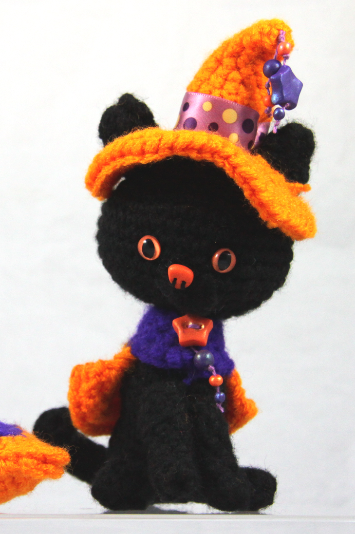 Amigurumi Halloween : Samhain - Amigurumi Halloween Cat by CraftedKansas on ...
