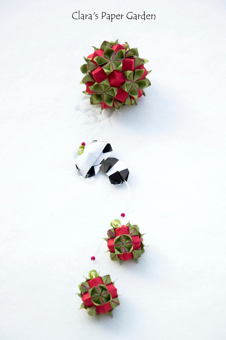 Panda in the snow by cridiana