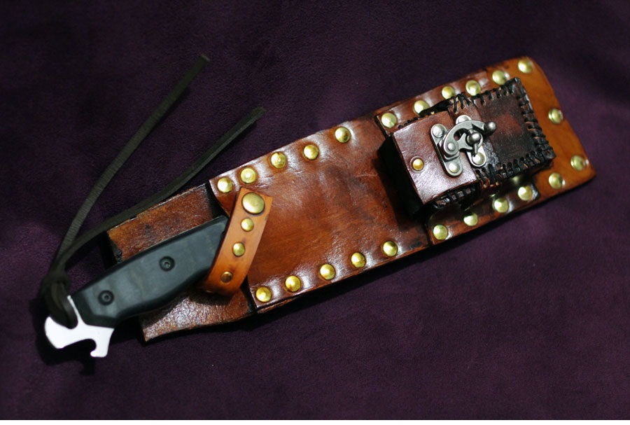Knife Sheath by MonkeyHeartless