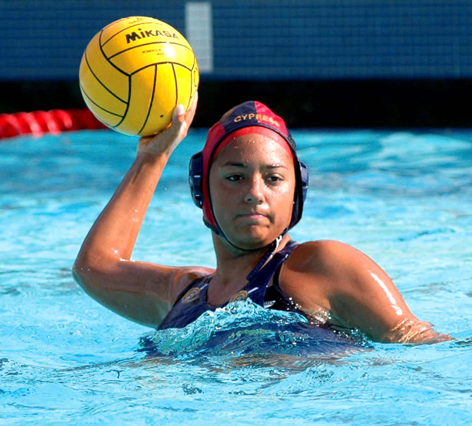 Women's water polo by arivera626