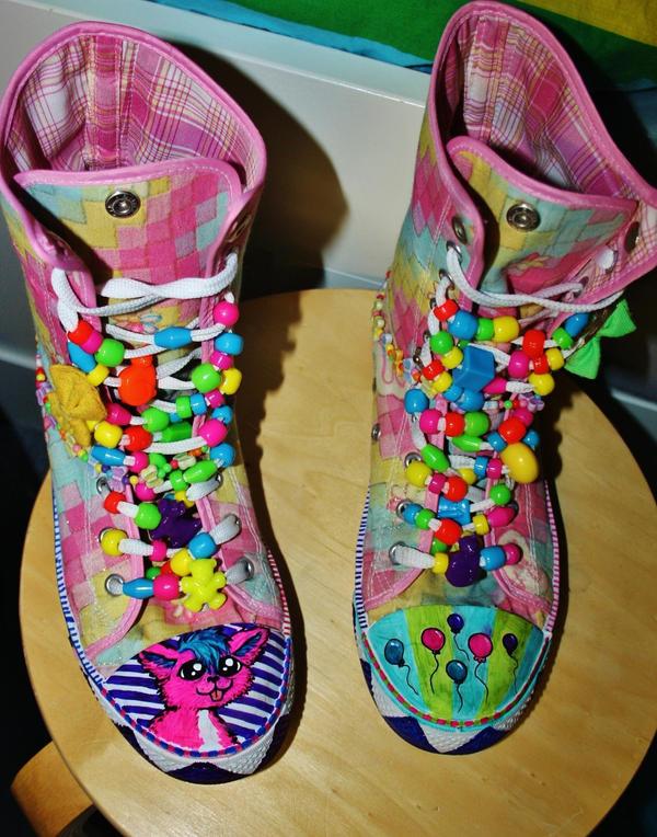 Rainbow shoes! by ScruffyFluffy