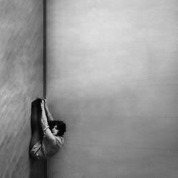empty room by WonderMilkyGirl